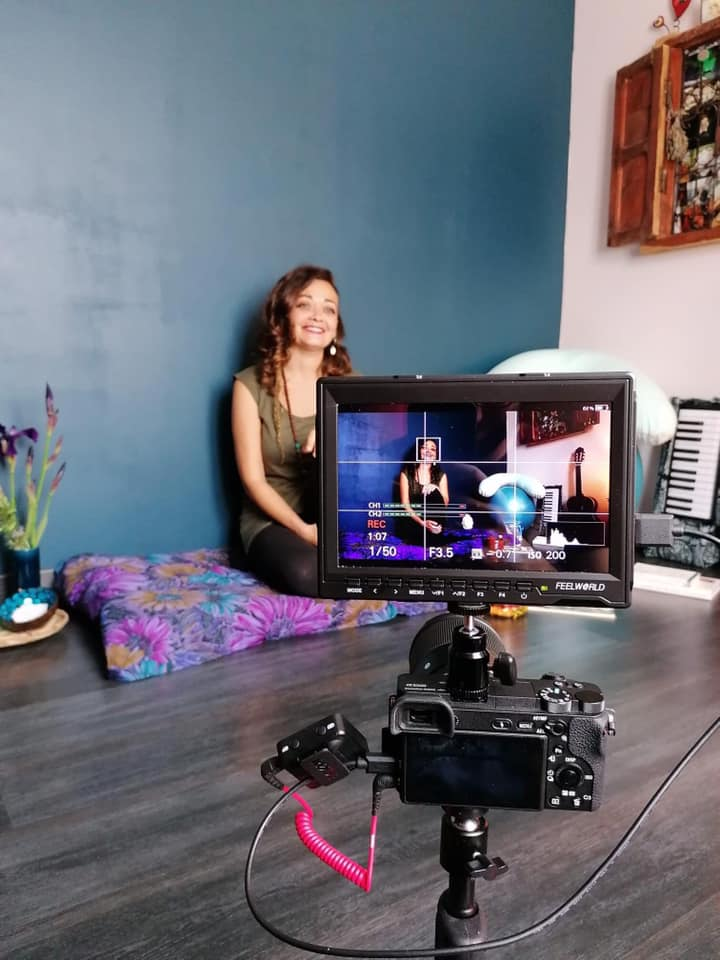 Formation Enseigner le chant prénatal - Marion en tournage